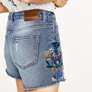 Zara High Rise Denim Floral Embroidered Shorts
